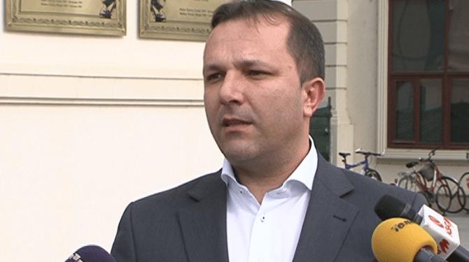 Поради недобиена покана  Спасовски не се појави на распит