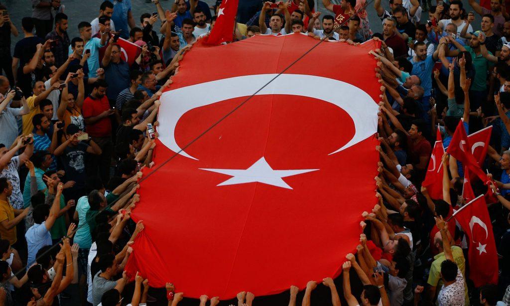 Се степаа турските пратеници поради зголемени ингеренции на Ердоган