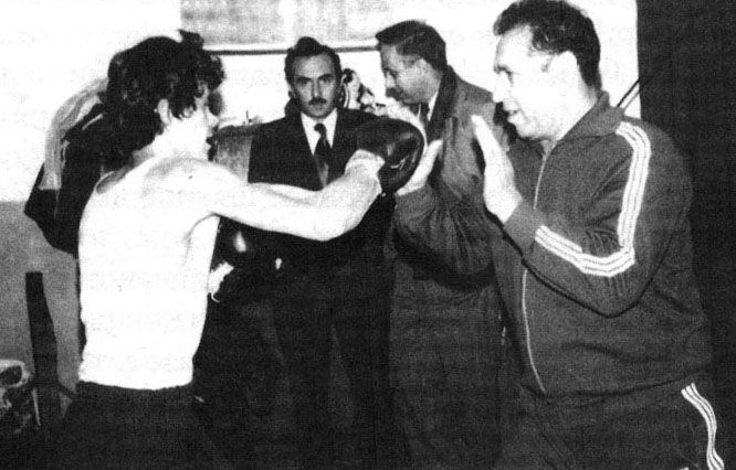810-811-mijalkov-bokser