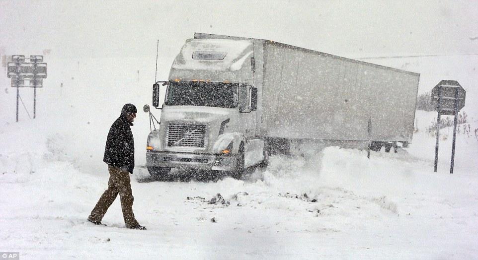 Над 70 камиони заглавија на границата со Грција