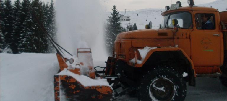 Македонија пат    Не може да очекувате црни коловози кога врне снег