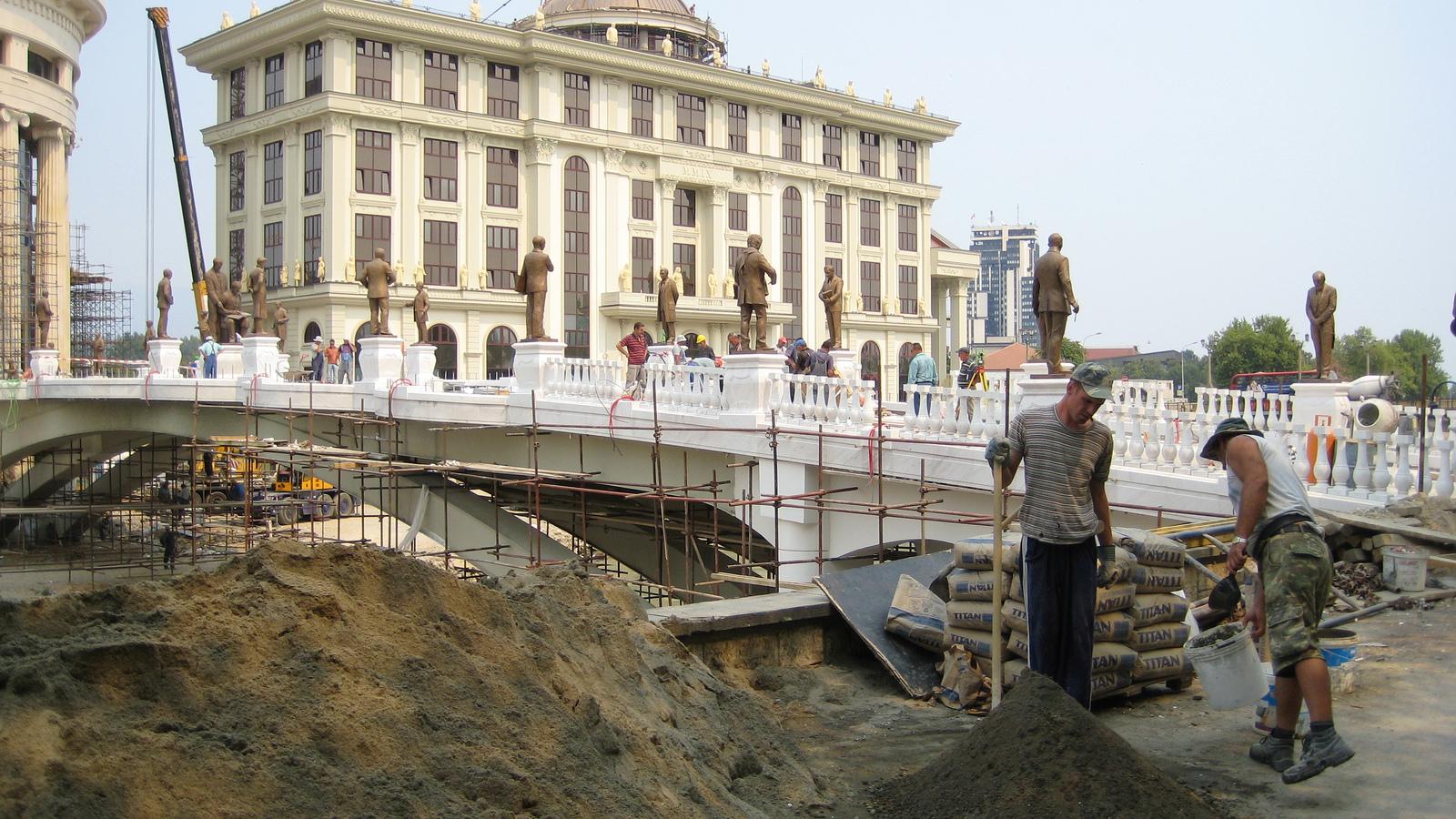 Шпанските скали стопирани  Панорамско тркало сепак ќе се гради