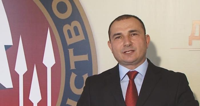 Стојанче Ангелов се повлекува од лидерското место во Достоинство  поради ангажман во МВР