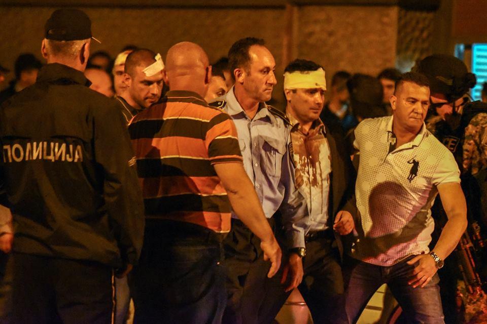 Осум лица се приведени по синоќешните насилни напади врз пратениците во Собрание