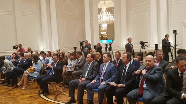 По низа скандали  Тодоров во владата потпиша договор за изградба на Клинички центар