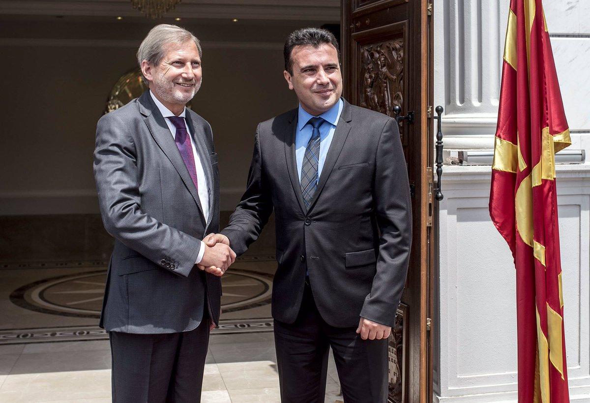 Хан на Твитер  Пофалби до Заев  Македонија сврте нова страница
