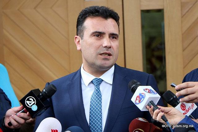 Заев очекува пратеници да ја напуштаат коалицијата на ВМРО ДПМНЕ