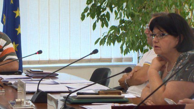 Дума  Никој не го избрка новинарот од  Курир   сам си замина