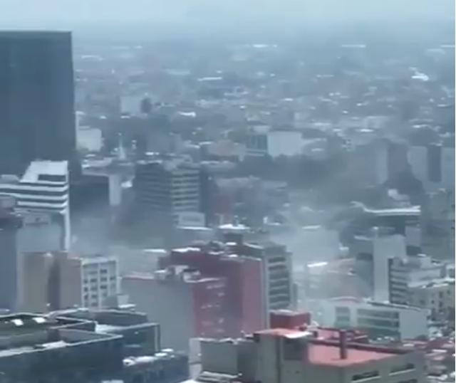 Мексико го тресеше земјотрес од 7.1 степен по Рихтер, се рушат и згради, а има најмалку 57 загинати