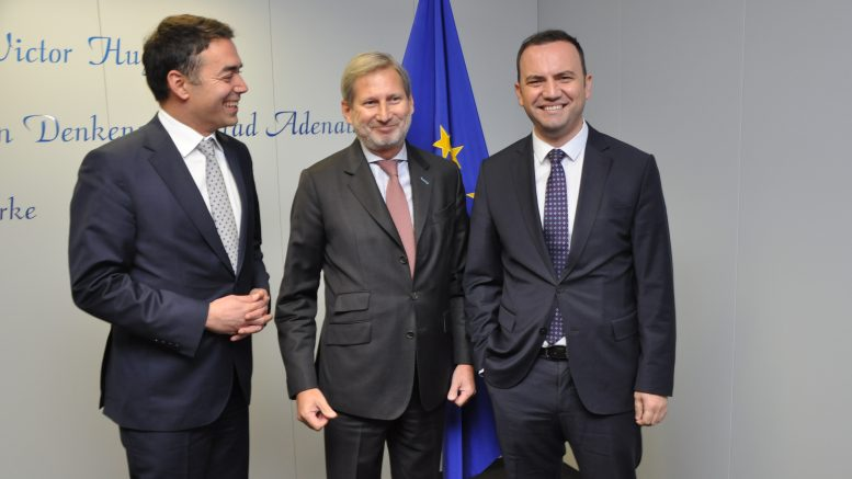 Димитров и Османи се сретнаа со Јоханес Хан во Брисел