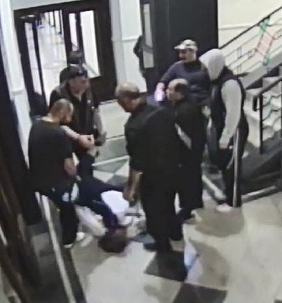 Полицаецот препозна двајца обвинети во судницата и рече дека демонстрантите го нападнале и него затоа што е Албанец