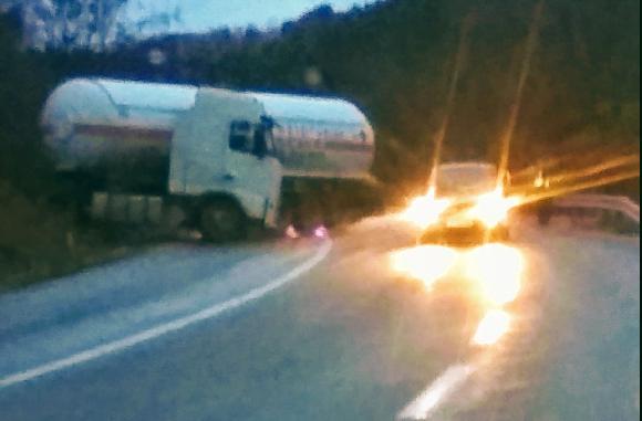 Загина возач на цистерна кој добил срцев удар додека возел